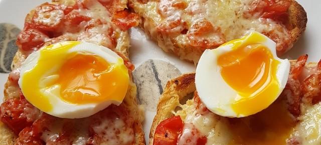 Recipe: Chilli pizza eggs